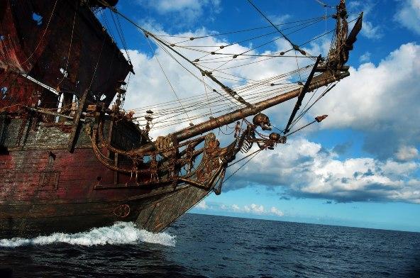 crociera-in-barca-sul-galeone-pirata1