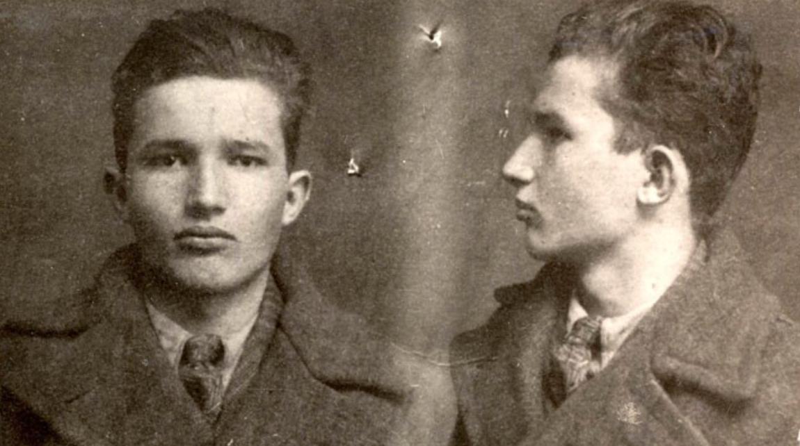 Un diciottenne Ceaușescu in una foto segnaletica del 1936