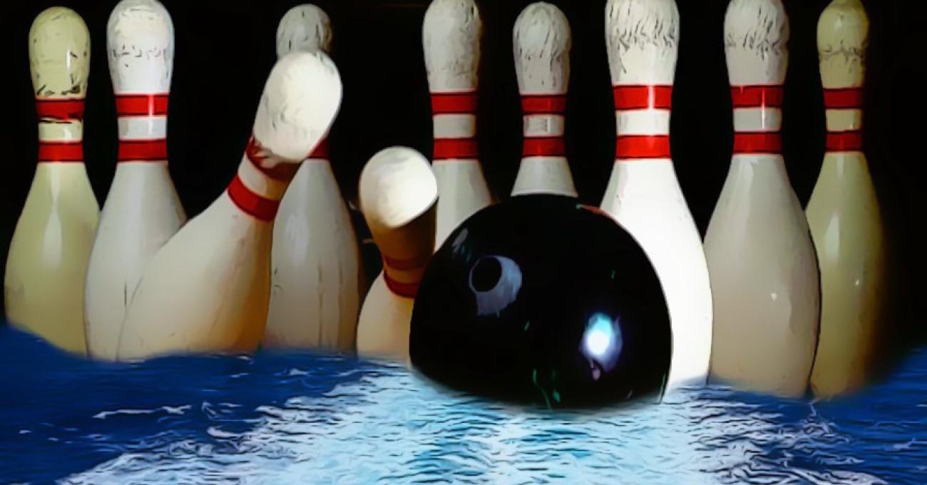 «Una boccia da bowling apre il Mar Rosso» di Riccardo Ielmini